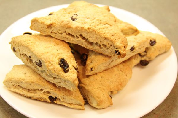 orange-raisin scones
