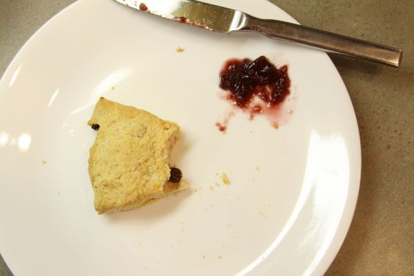 scones with jelly